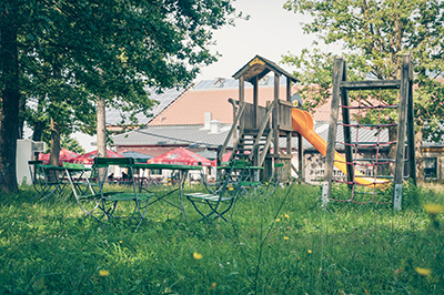 Biergarten & Spielplatz